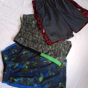 Champion Boys Shorts L 12-14
